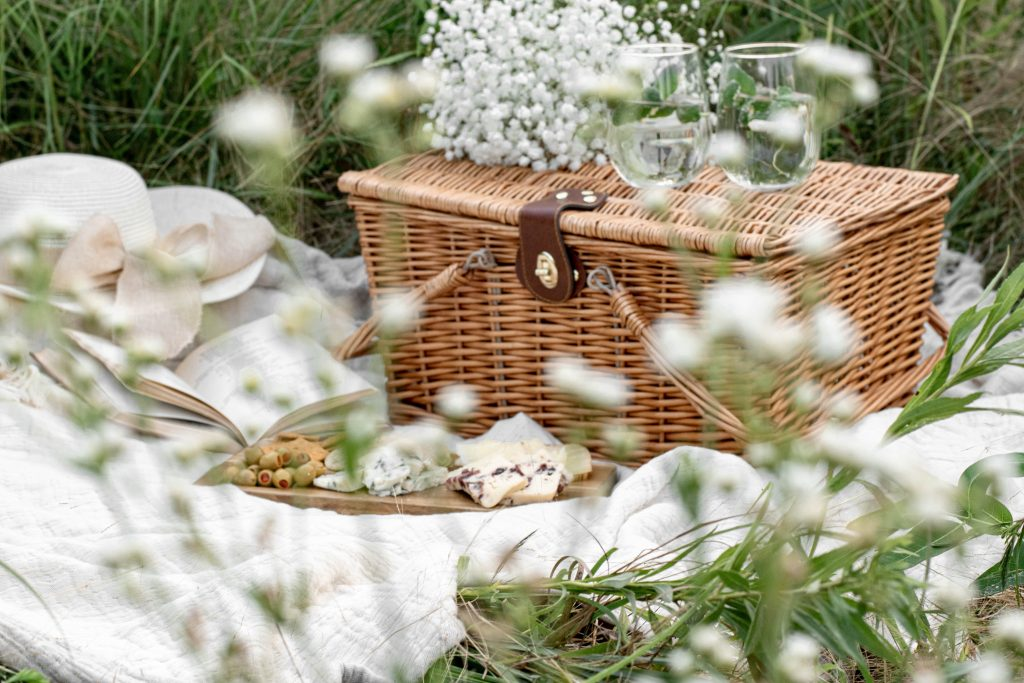 picnic-basket-on-the-grass